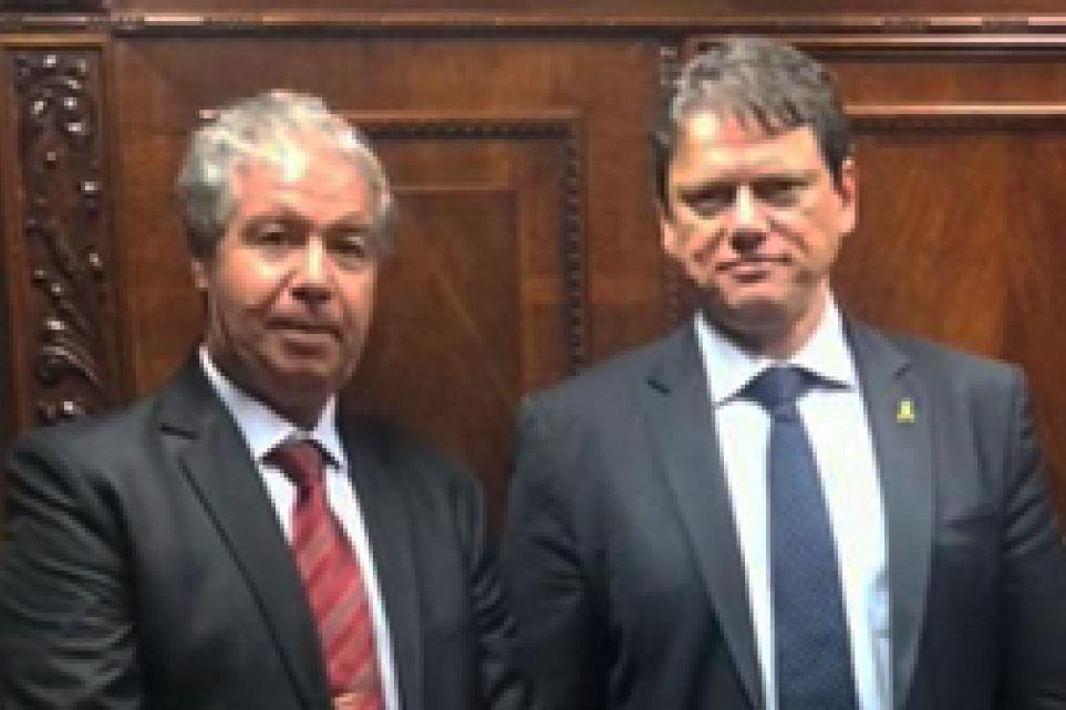Transportadores entregam pleitos do setor ao Ministro da Infraestrutura