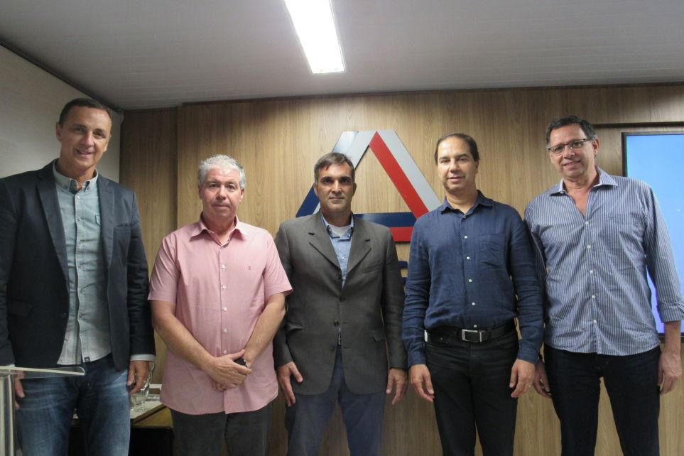 Setcemg recebeu transportadores e apoiadores no Encontro de Empresários do TRC