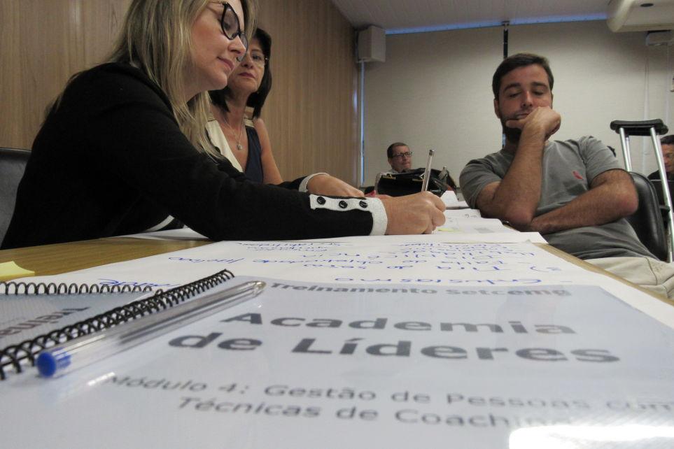 Gestão de pessoas e coaching foram abordadas na Academia de Líderes