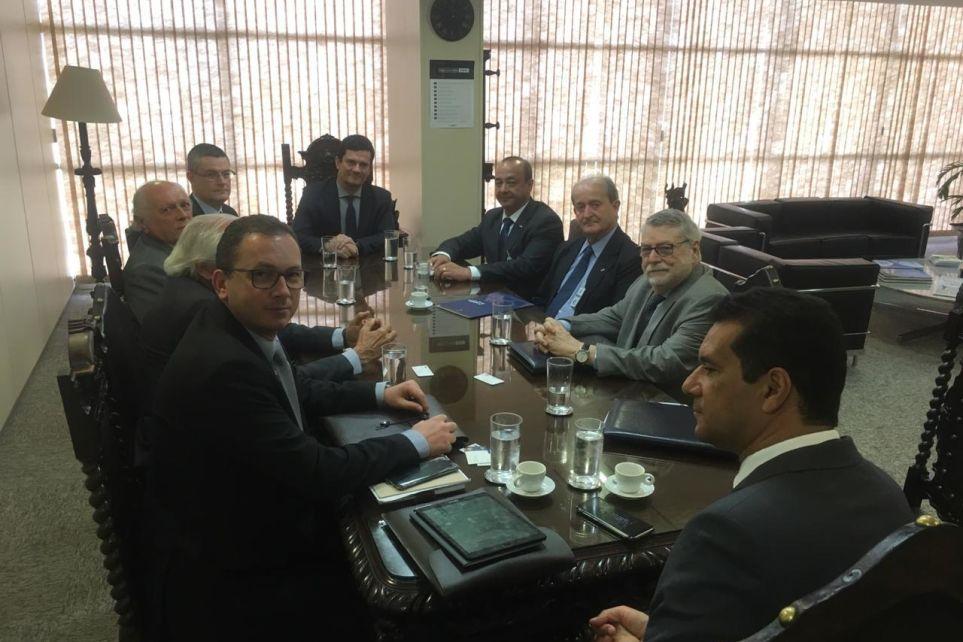Lideranças do transporte reúnem-se com ministro da Justiça