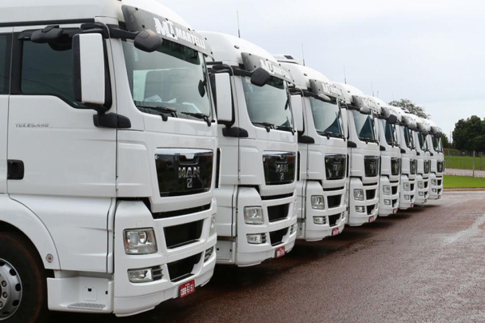 Venda de caminhões sustenta alta anual acima dos 40%